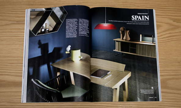 articulo de la revista wallpaper de abril de 2014 en la que aparece el mueble loop de factil design